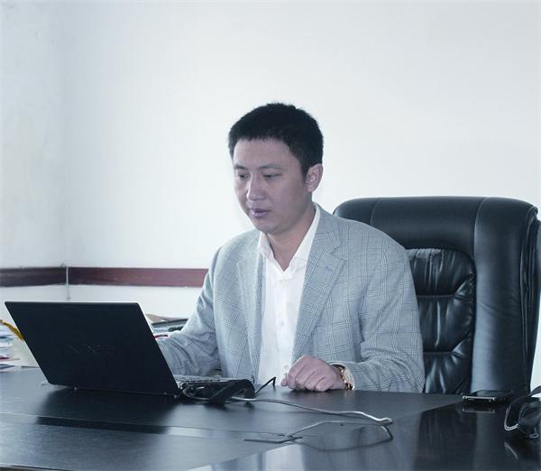 薛裕健—儒商信仰成就企业品牌